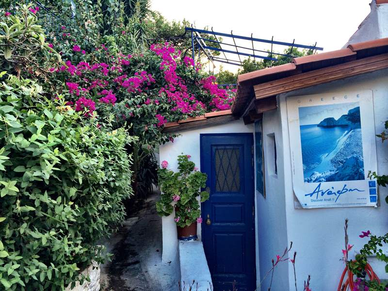 Αναφιώτικα: Η αγαπημένη αθηναϊκή γειτονιά όλων μας, αποκαλύπτεται. Διαβάστε 10 πράγματα που σίγουρα δεν ξέρατε πριν (Photos)