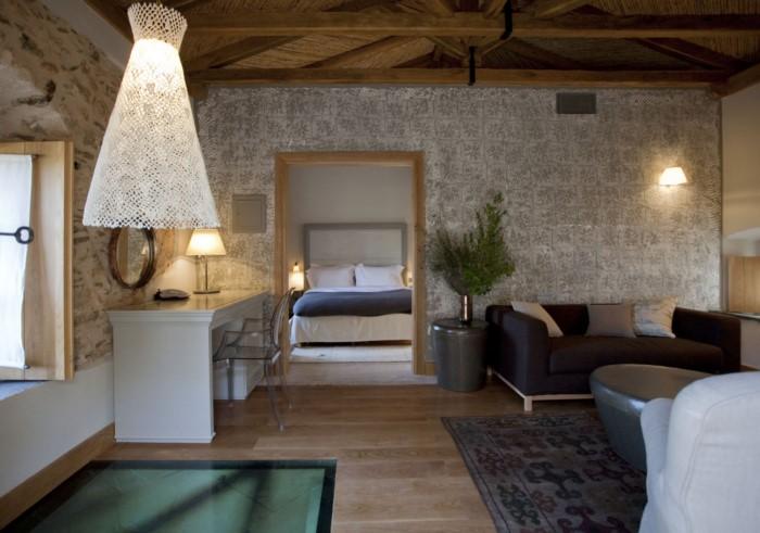 Πως ένα μισογκρεμισμένο αρχοντικό του 17ου αιώνα στη Μονεμβασιά έγινε ένα από τα καλύτερα ξενοδοχεία του κόσμου! Δείτε το Πριν και Μετά!