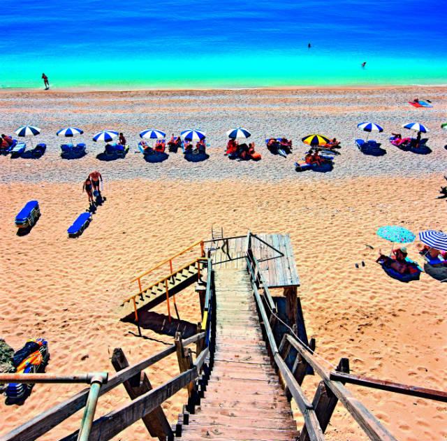 Εγκρεμνοί - Παραλία στη Λευκάδα