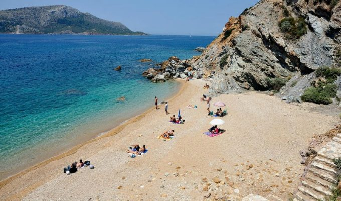 Παραλίες δίπλα στην Αθήνα