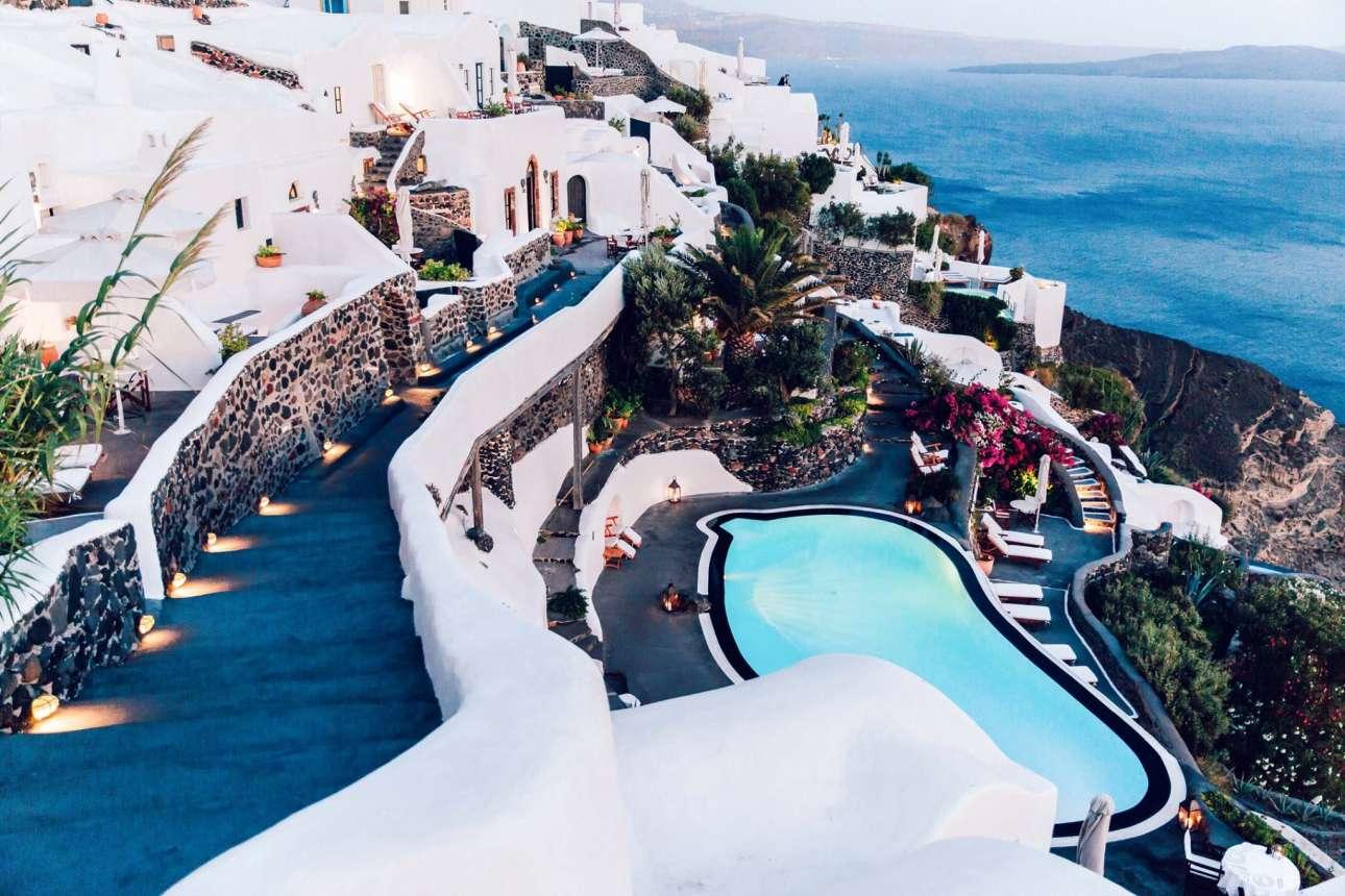 Οι 17 πιο εντυπωσιακές πισίνες υδρομασάζ στον κόσμο!Ανάμεσα τους δεσπόζει και μια ελληνική!(photo)