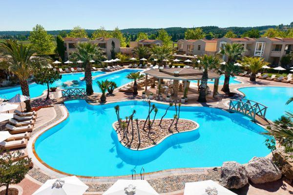 Το Sani Dunes στη Χαλκιδική είναι το ξενοδοχείο που έχει τη μεγαλύτερη ανοιχτή πισίνα στην Ελλάδα!!!