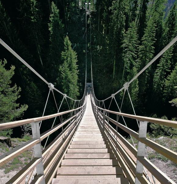 Οι εντυπωσιακότερες σκάλες σε φυσικά τοπία στον κόσμο!Μια είναι στην Ελλάδα!Που βρίσκεται;(photo)