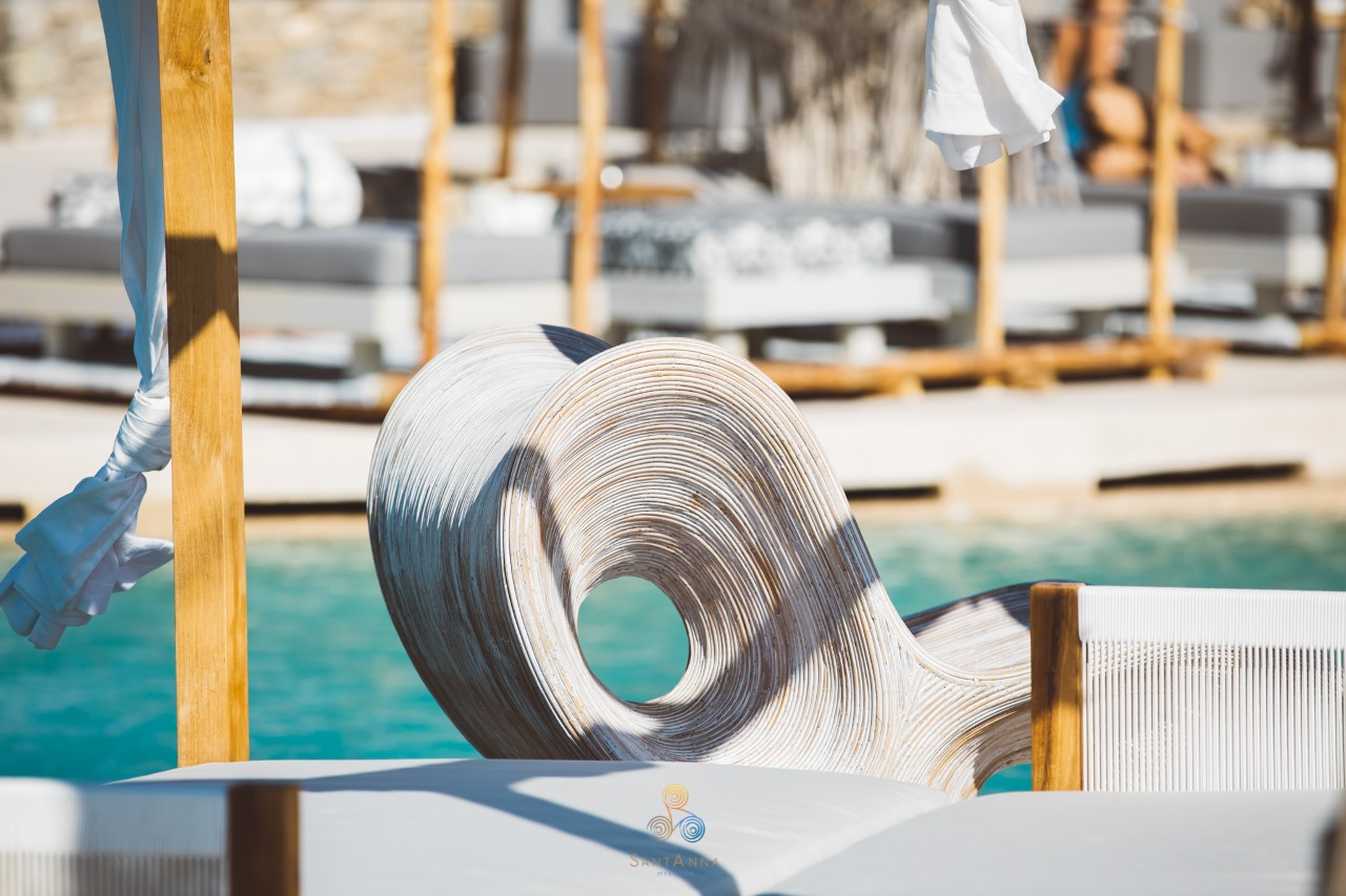 Το SantΑnna στη Μύκονο θα κάνει το καλοκαίρι σας να αποκτήσει...ανανεωτικό αέρα διασκέδασης!