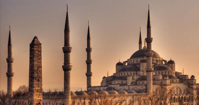 Ο ναός της Αγίας Σοφίας στην Κωνσταντινούπολη ένα από τα πιο σημαντικά αξιοθέατα της πόλης!