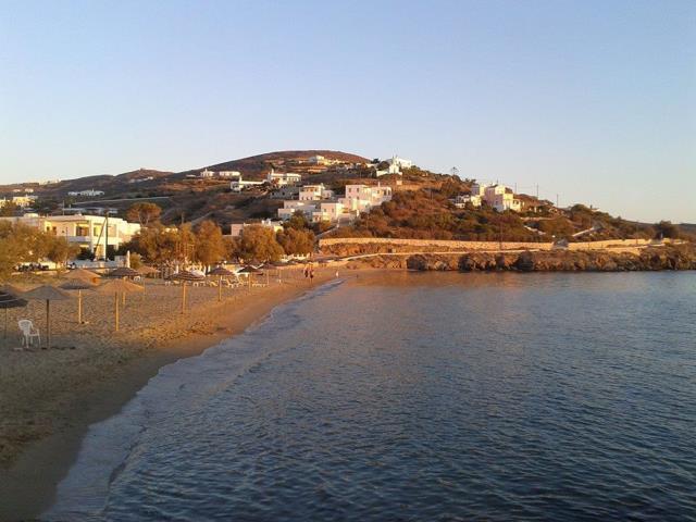 Παραλία Αγκαθωπές, Σύρος
