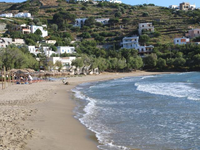 Παραλία Κίνι, Σύρος