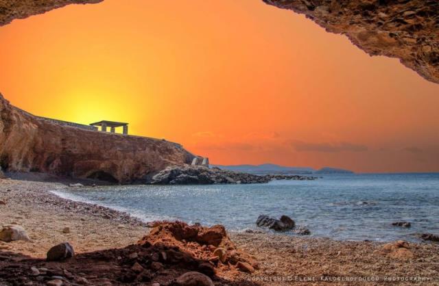 Παραλία Κόκκινα, Σύρος