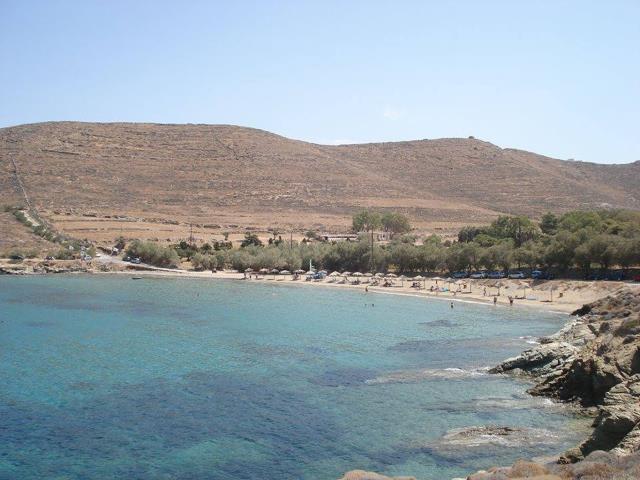 Παραλία Κόμητο, Σύρος