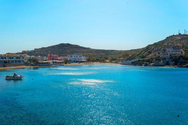 Παραλία Βάρη, Σύρος
