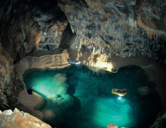 Σπήλαιο των Λιμνών, Αχαΐα
