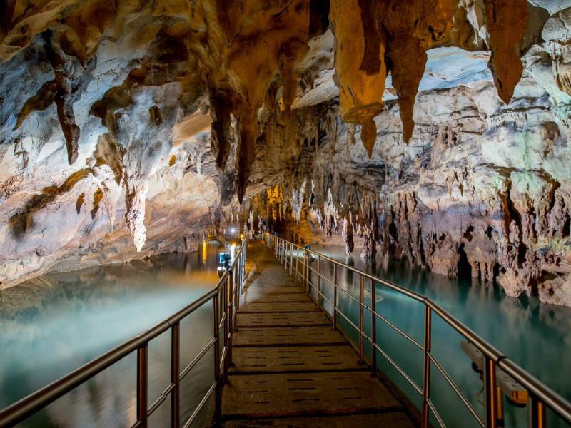 Σπήλαια της Ελλάδας