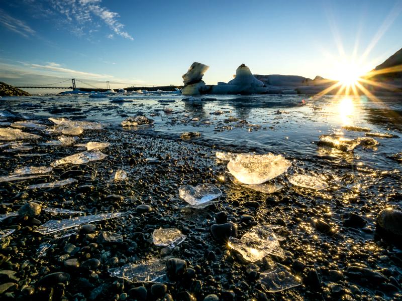 Η πιο παγωμένη παραλία του πλανήτη - Μια μοναδική εμπειρία πολικού ψύχους!