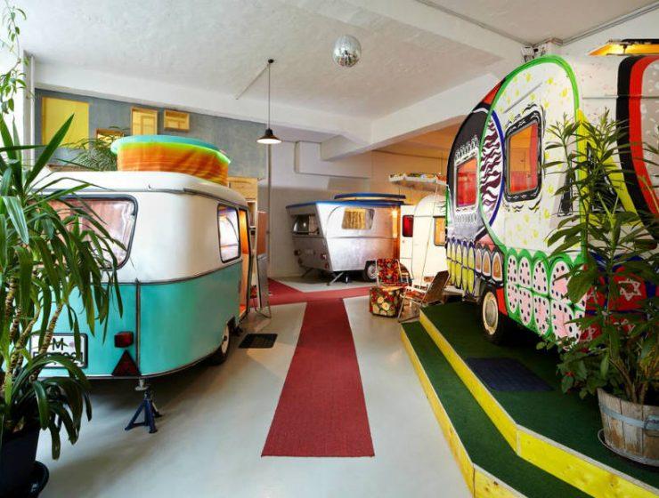 Ξενοδοχείο στο Βερολίνο με τροχόσπιτα