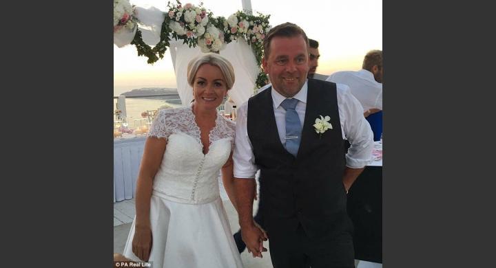 Ο επικότερος γάμος του καλοκαιριού έγινε στη Σαντορίνη!Δείτε το γιατί!
