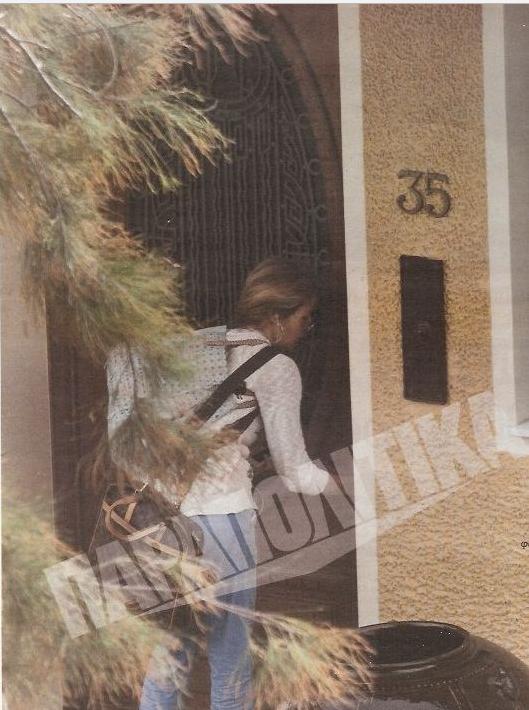 Μας έπεσε το σαγόνι! Δείτε τη βιλάρα της Τζένης Μπαλατσινού στο Ψυχικό! Σκέτο παλάτι