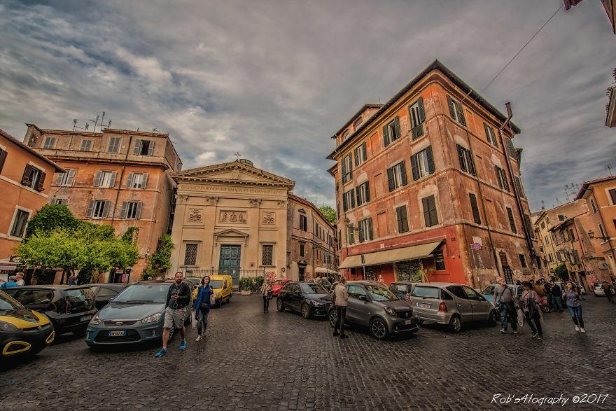 Κάνουμε μια βόλτα στη Ρώμη... μέσα από ένα ξεχωριστό φωτογραφικό άλμπουμ...