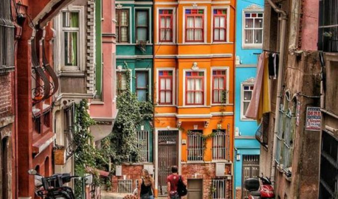 "Balat: Ένα πολύχρωμο ""διαμάντι"" στην Κωνσταντινούπολη!"