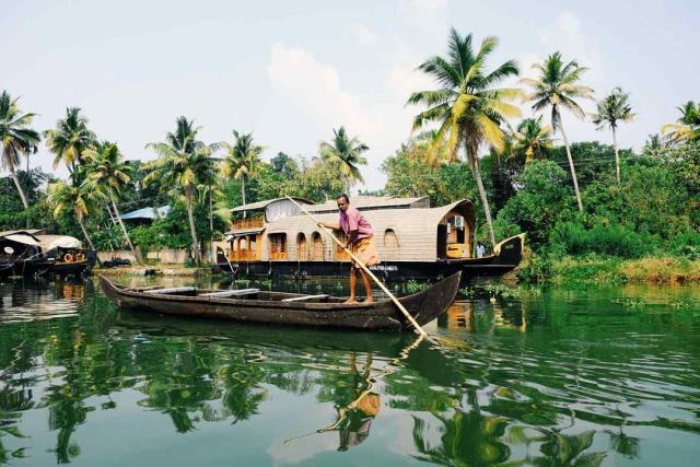 Κεράλα - πόλεις με κανάλια