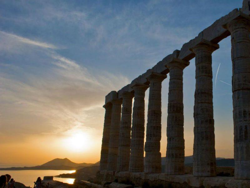 Δέκα διάσημα αρχαία μνημεία της Ελλάδας που κάθε Έλληνας πρέπει να επισκεφτεί!