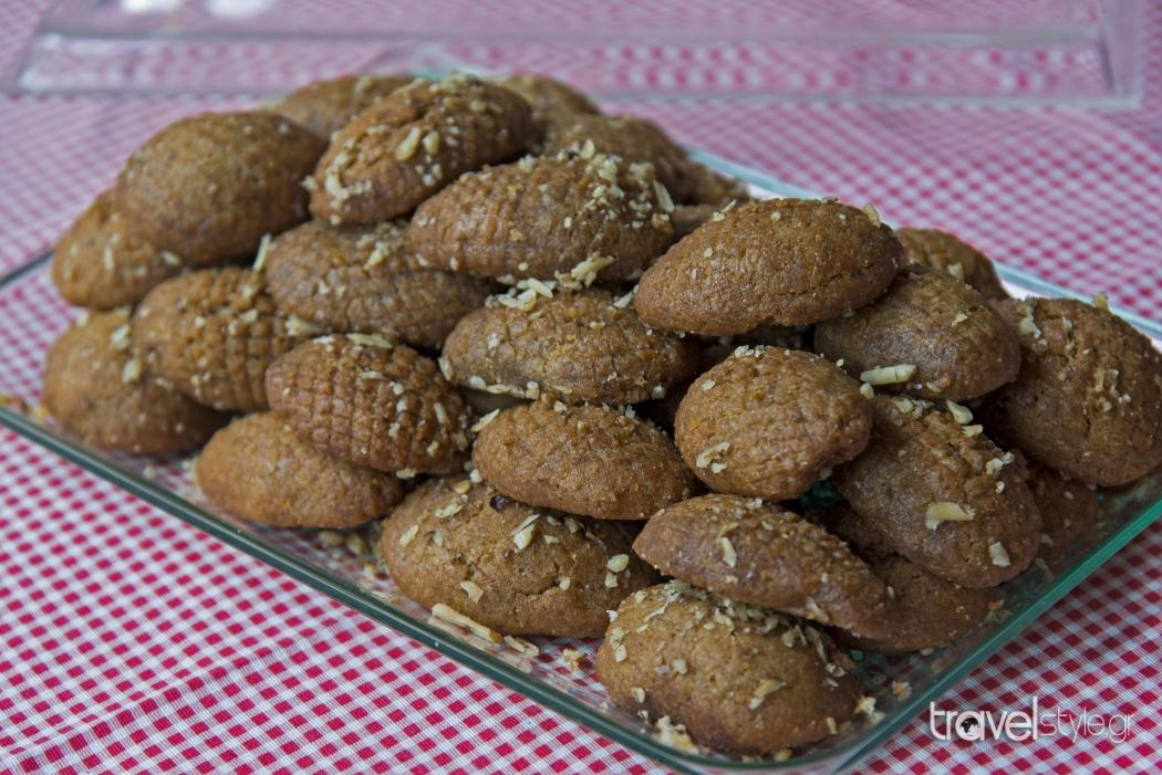 Ο φούρνος που αποθεώνει το ζεστό χωριάτικο ψωμί! Οι αγνές πρώτες ύλες συναντούν τις παραδοσιακές συνταγές!