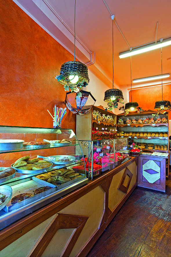 Street food: Ανακαλύψαμε τα πιο ποιοτικά στέκια στην Αράχωβα (και για ξενύχτηδες!)