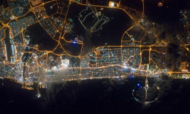 Κουίζ: Μπορείτε να αναγνωρίσετε ποιες είναι αυτές οι πόλεις όπως φαίνονται από το διάστημα;