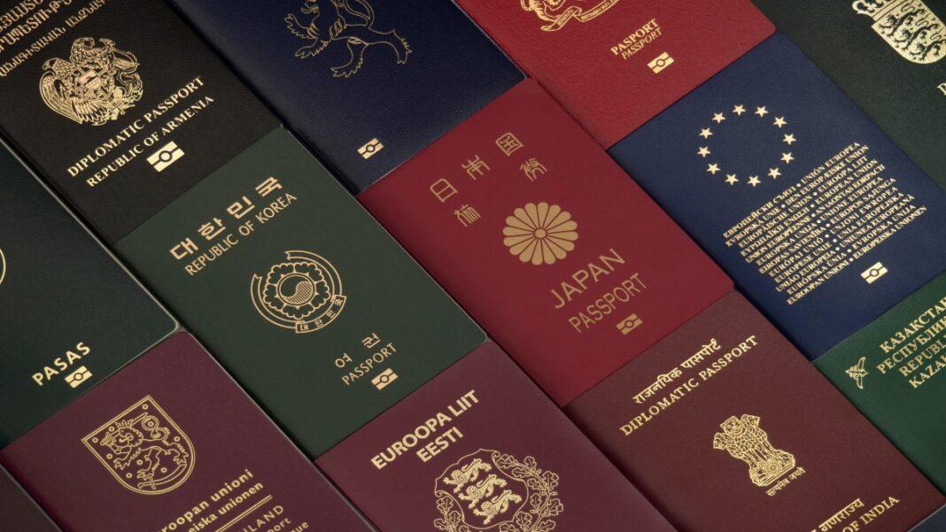 Γιατί τα διαβατήρια έχουν διαφορετικά χρώματα;