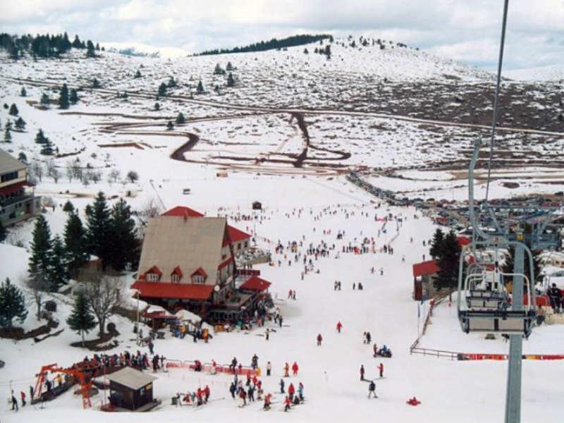 Λάτρεις του χιονιού: Απολαύστε τις κατάλευκες πίστες με όλη την οικογένεια σας!