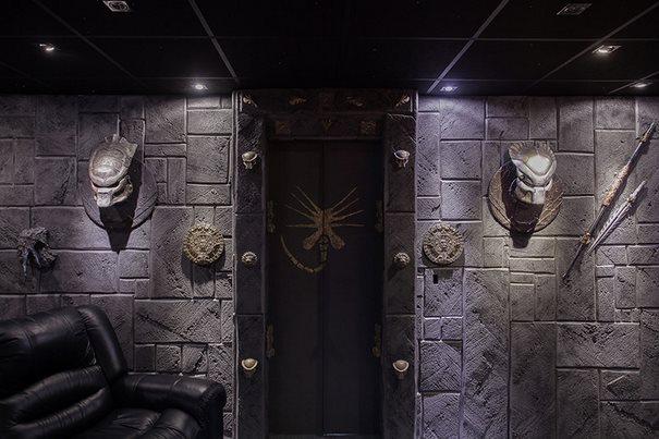 Αυτό το σπίτι που πωλείται στη Σουηδία μοιάζει φυσιολογικό. Μέχρι να ανοίξετε τη πόρτα..