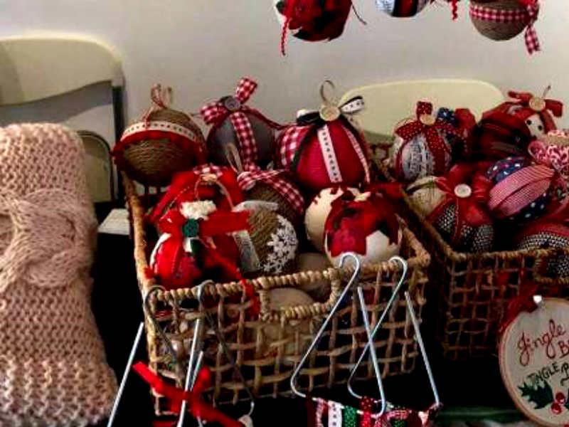 Χριστουγεννιάτικο μπαζάρ Κέντρου Ειδικών Ατόμων «Χαρά»! Χειροποίητα γλυκά 86444db5f18