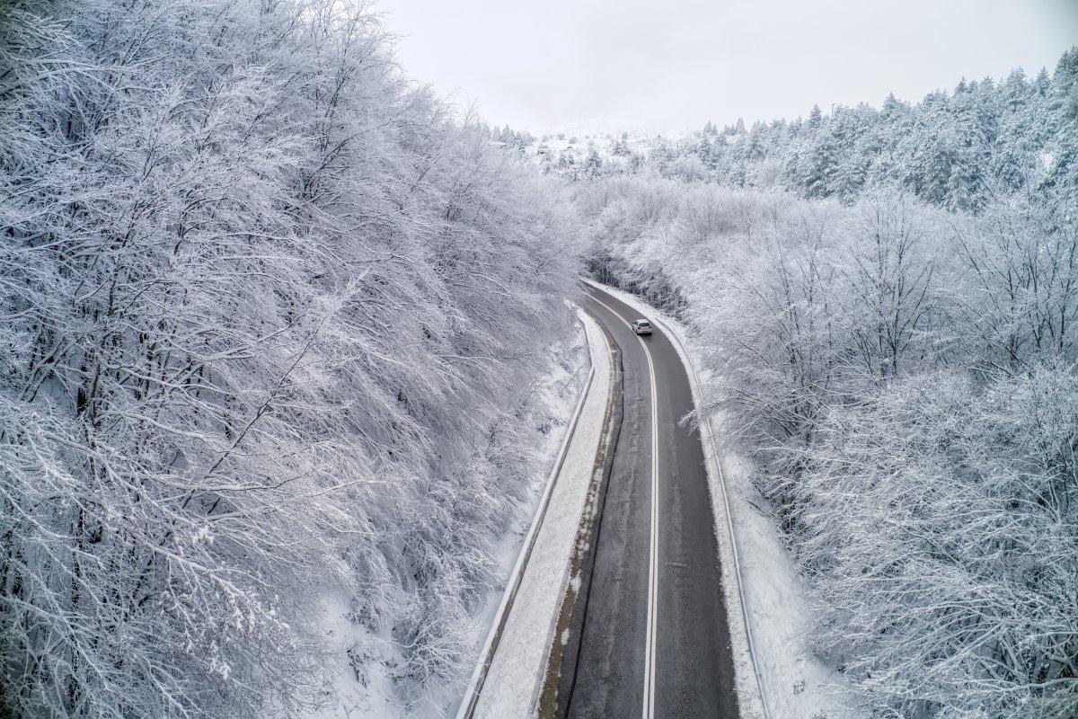 Στο δρόμο, στο χιονισμένο Βέρμιο