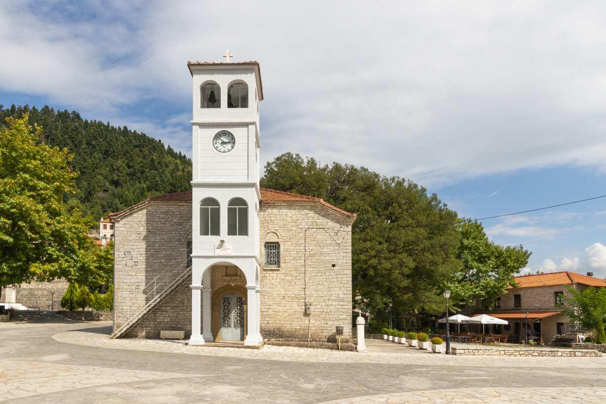 Κορυσχάδες εκκλησία