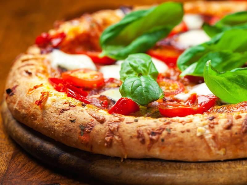 ναπολιτάνικη πίτσα