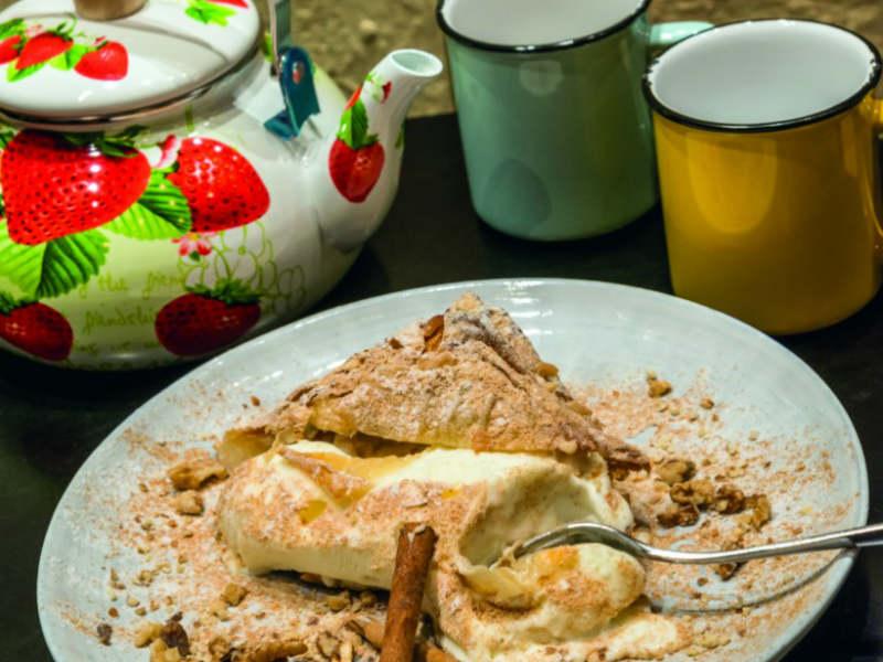 """Σερμπετόσπιτο: Αυτό το γλυκοπωλείο στου Ψυρρή έχει προκαλέσει την απόλυτη """"υστερία"""" σε όλη την Αθήνα!"""