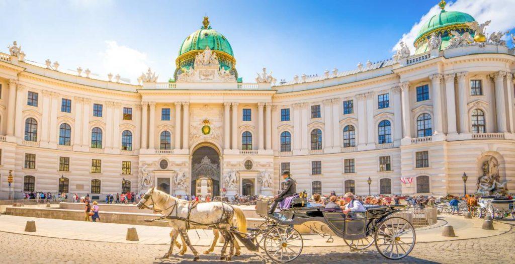Ταξίδι στη Βιέννη διαμονή σε πολυτελές ξενοδοχεία και τι δείχνει η έρευνα για κορονοϊό