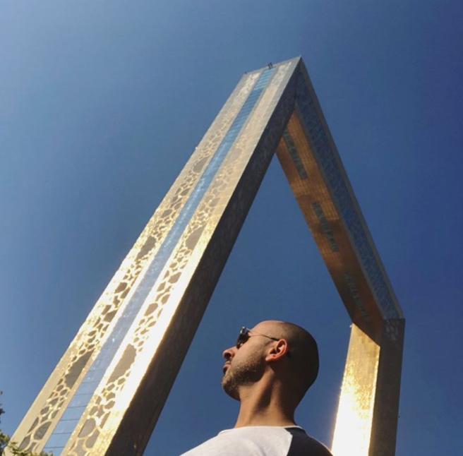 """To μεγαλύτερο """"φωτογραφικό κάδρο"""" εγκαινιάστηκε στο Ντουμπάι!"""