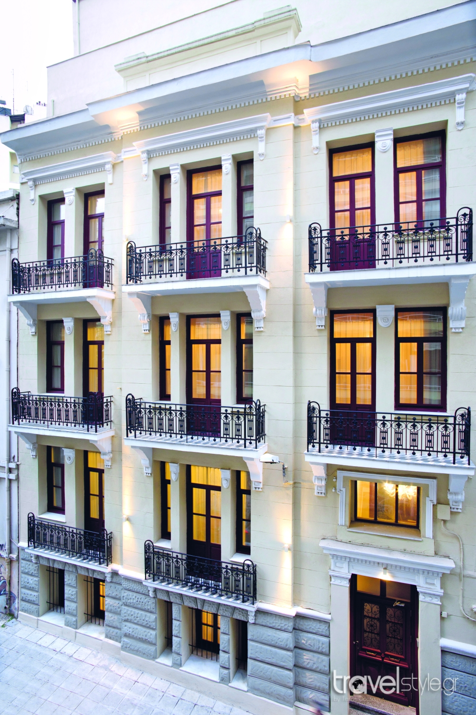 Το travelstyle.gr σας ταξιδεύει στην πανέμορφη Θεσσαλονίκη! Πάρτε μέρος στον νέο διαγωνισμό μας και ο μεγάλος νικητής θα κερδίσει ΕΝΤΕΛΩΣ ΔΩΡΕΑΝ 2 διανυκτερεύσεις για 2 άτομα στο υπέροχο Gatto Perso, στο κέντρο της Θεσσαλονίκης!