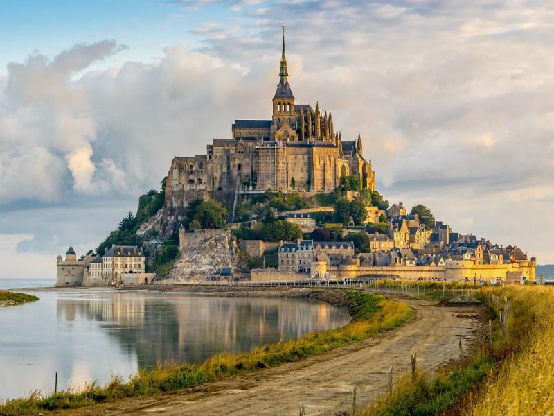 Αυτές τις πόλεις της Γαλλίας αξίζει να τις επισκεφτείτε για το πιο ρομαντικό ταξίδι!