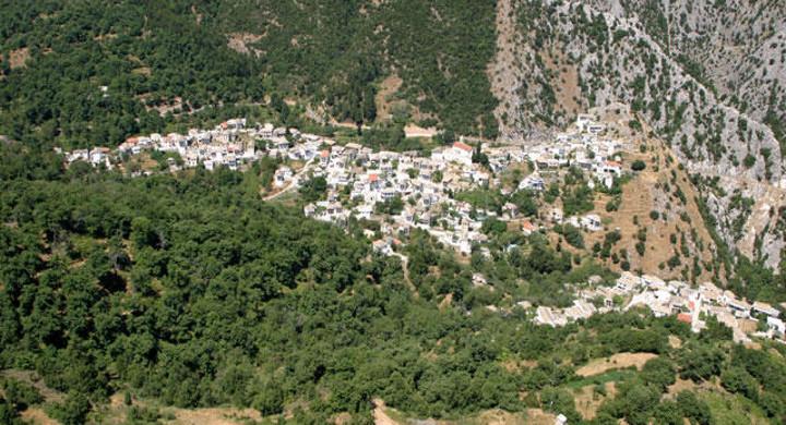 Καστάνιτσα, μακρινή πανοραμική εικόνα του χωριού