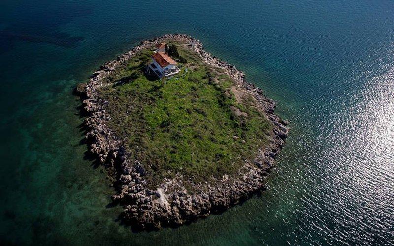 Ιτέα: Τα μικρά νησάκια που ομορφαίνουν την παραλία της