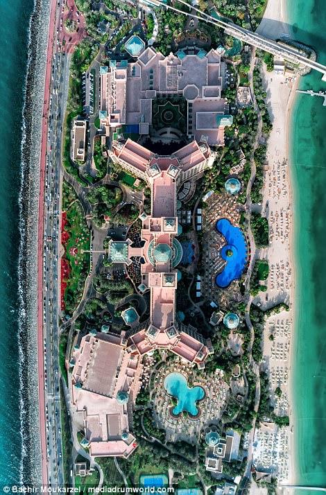 Εκπληκτικές αεροφωτογραφίες δείχνουν από ψηλά την αρχιτεκτονική του Ντουμπάι σε όλη της τη δόξα