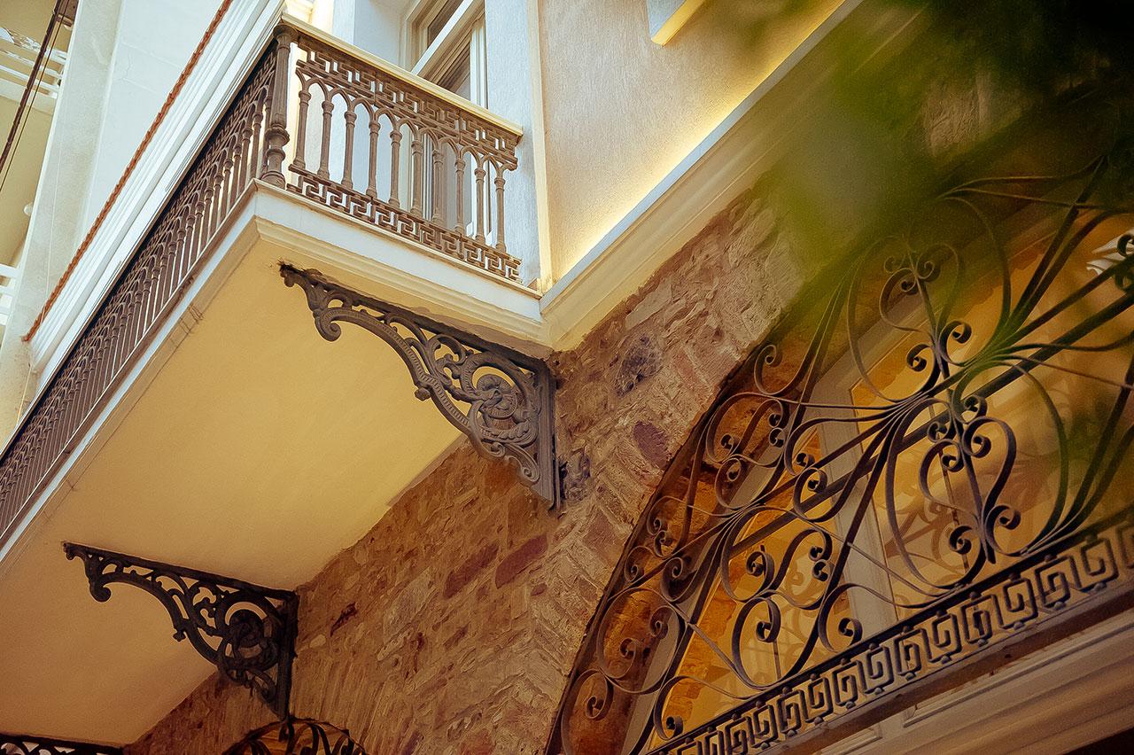 Πανέμορφο! Δείτε την εντυπωσιακή αποκατάσταση ενός παλαιού νεοκλασικού κτιρίου στη Χίο!
