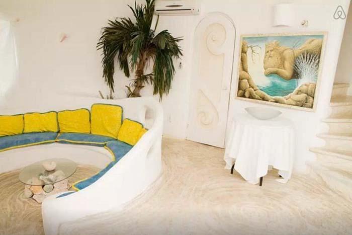 Το θεϊκό σπίτι της γοργόνας που κάνει πάταγο στο Airbnb!