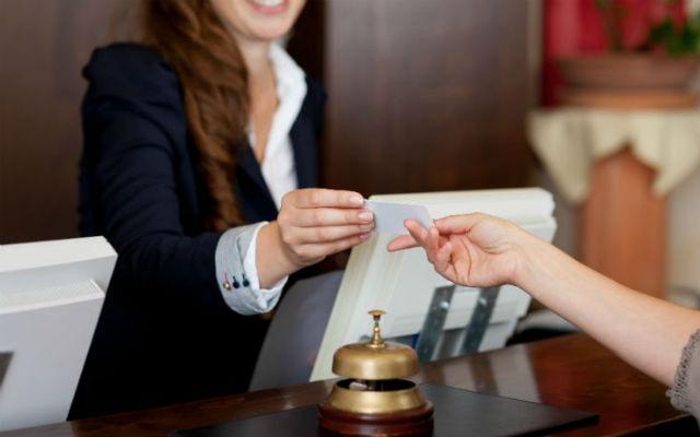 Προσοχή: Οι πιο συχνές απάτες σε ξενοδοχεία και πώς να τις αποφύγετε