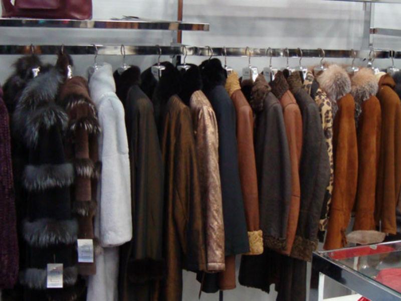 e8c691eb7d36 Αθήνα: Τα μαγαζιά που θα ψωνίσεις δερμάτινα με 10 ευρώ! Τα πιο φθηνά ρούχα  της Αθήνας, καινούρια και δεύτερο χέρι