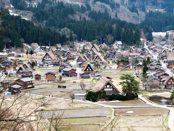 Tο πανέμορφο χωριό που μένεις μόνο μία νύχτα! Δεν θα πιστεύετε τον περίεργο λόγο...