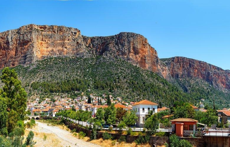 3+1 γραφικά χωριά της Ελλάδας που συνδυάζουν βουνό & θάλασσα!