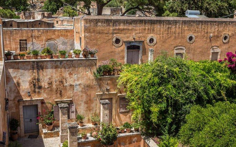 Μονή Τζαγκαρόλων, το πανέμορφο μοναστήρι της Κρήτης