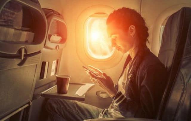 Αντηλιακό στο αεροπλάνο